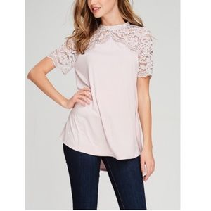 Tops - 🖤Host Pick🖤 Blush Lace Top
